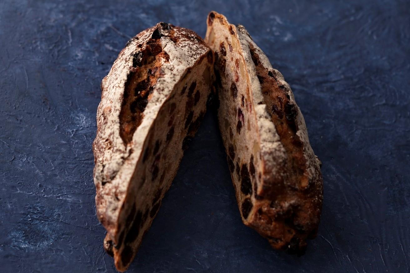 くるみと果実のパン